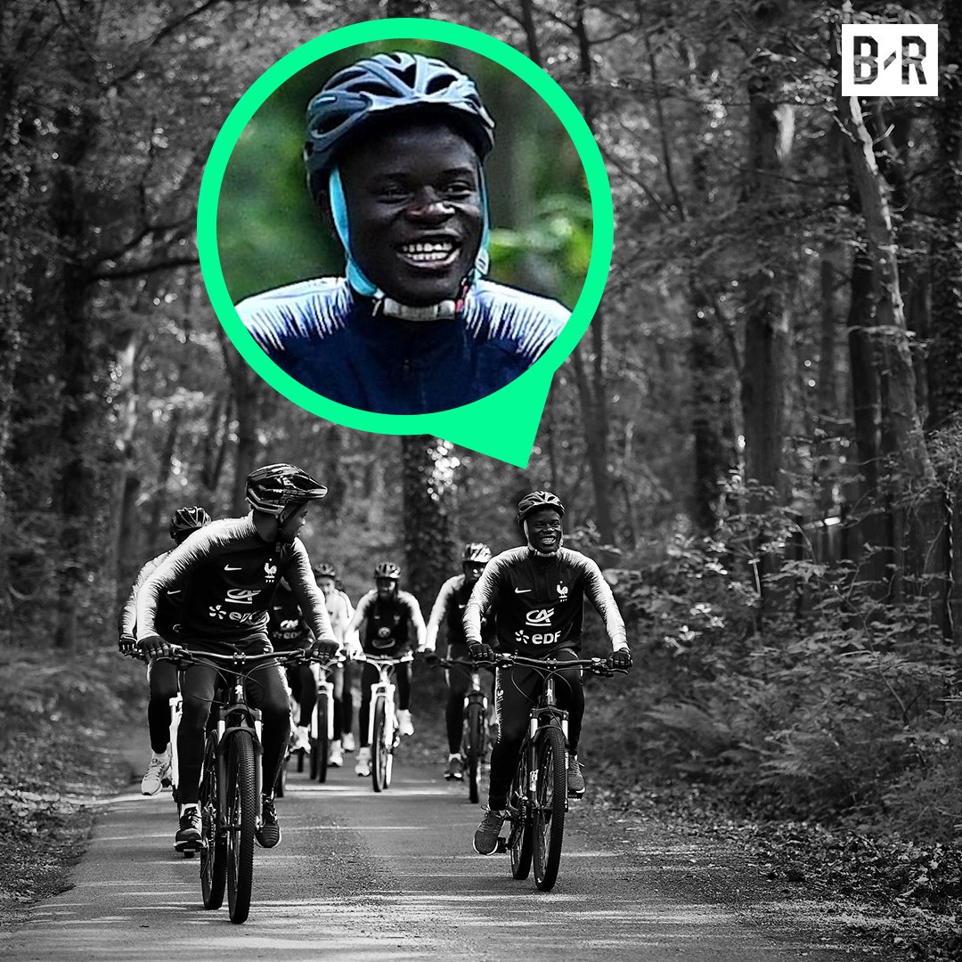 Find someone who loves you like N'Golo Kante loves bike rides ❤️