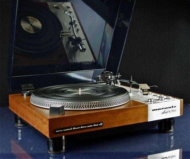 Good Morning !! . Marantz 6300 . . . #VintageAudio #Audio #Vintage #turntable #phono #vinyl #records #music #hifi #hifiaudio #highend #highfidelity #highendaudio #stereo #stereophile #vinylcollectionpost #recordplayer #audiophile #music #vinyljunkie #cas…  https:// ift.tt/2scV6nm  &nbsp;  <br>http://pic.twitter.com/2o7O6aWC4s