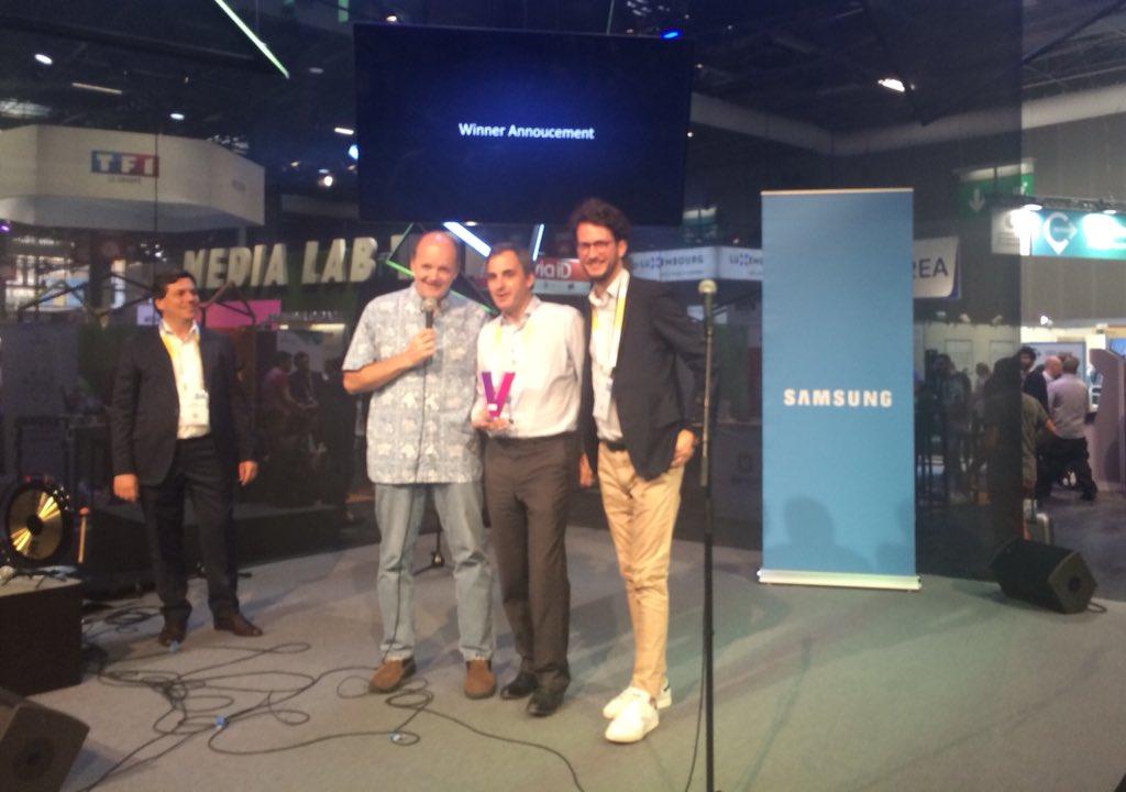 [#Vivatech #eSanté] @Diabeloop a gagné le Samsung AI pitch contest*, un grand bravo à eux !!! #LetsCelebrate 🎉  Vive l'#innovation au service des #patients ✊  *Face à 7 autres #startups : Anamnese, Botfuel, Dawex, Do You Dream Up, Partnering robotics, mobeelity, Tellmeplus