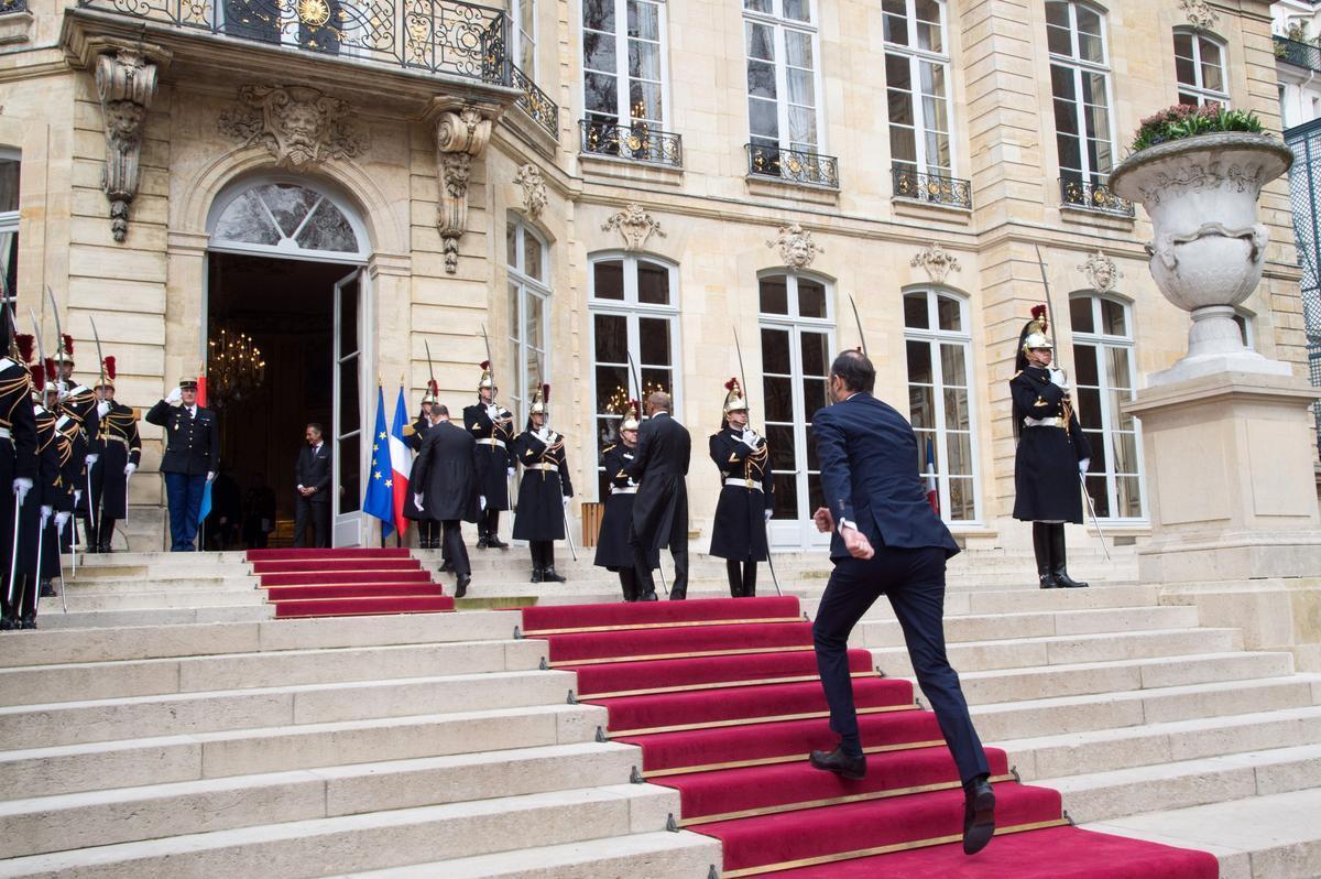 Hécatombe à #Matignon : six secrétaires sont parties en un an #Société >> https://t.co/eQ70d2TfCT