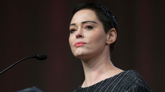 Weinstein accuser Rose McGowan to speak to Megyn Kelly after Weinstein turns himself in https://t.co/OQDseVuM3q https://t.co/eAzmH0ad4C