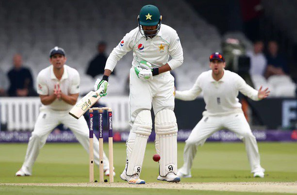 Pakistan 136-3 at lunch on day two of the first Test, trailing England by 48 https://t.co/BAmcOybJTC