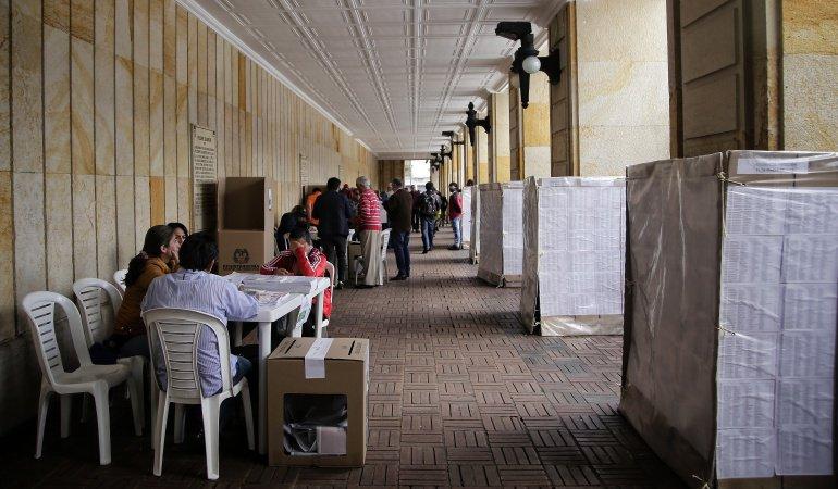 #6AM | Votar trae beneficios, ¿los conoce?  ---> #EleccionesColombia #CaracolEsMás https://t.co/YiJkEer3K0