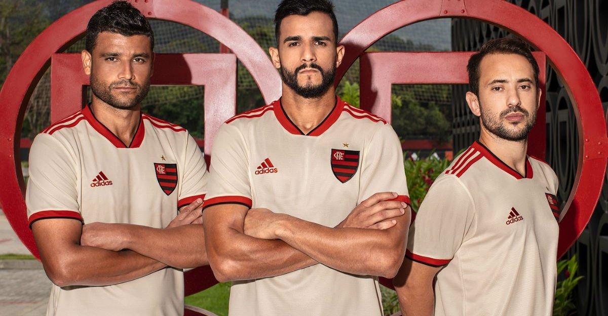 Flamengo divulga novo segundo uniforme na cor branca; estreia será contra o Bahia https://t.co/vD5K982q2j