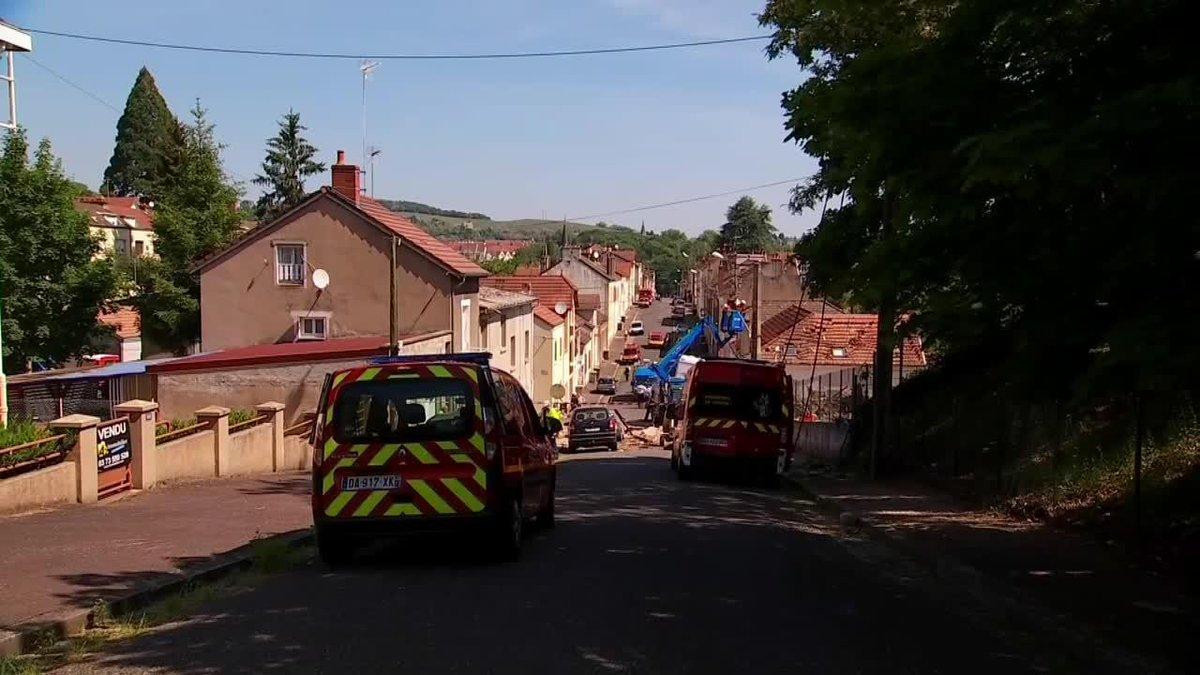 VIDEO - Explosion au gaz : une maison complètement soufflée au Creusot, deux blessés grave https://t.co/B8WBE111yH