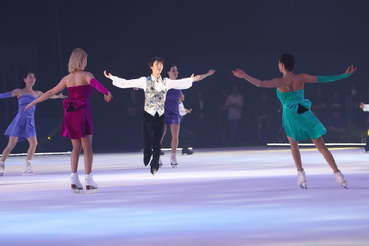 【ファンタジー・オン・アイス】フィナーレ (写真:坂本清) #フィギュアスケート #figureskate