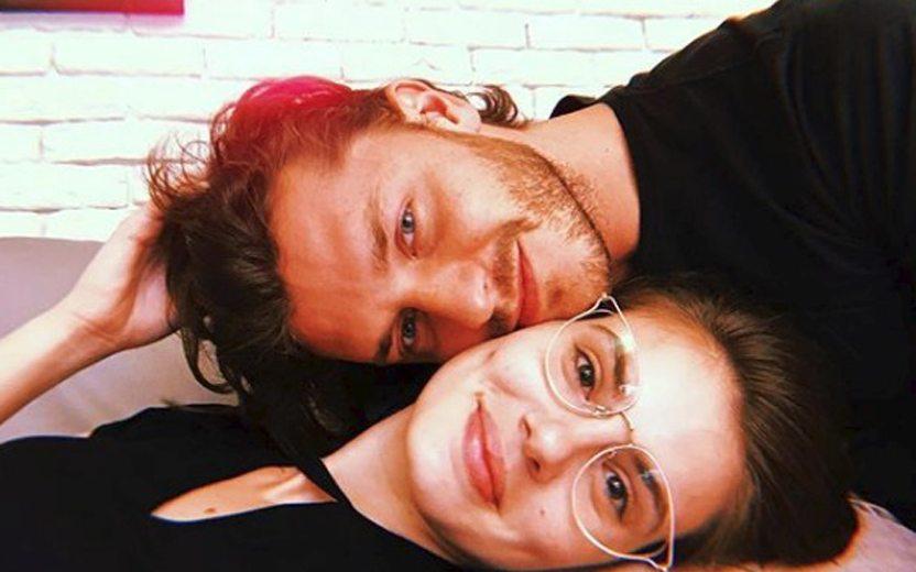 Camila Queiroz e Kleber Toledo marcam data de casamento no civil https://t.co/k0P7hBNNp5