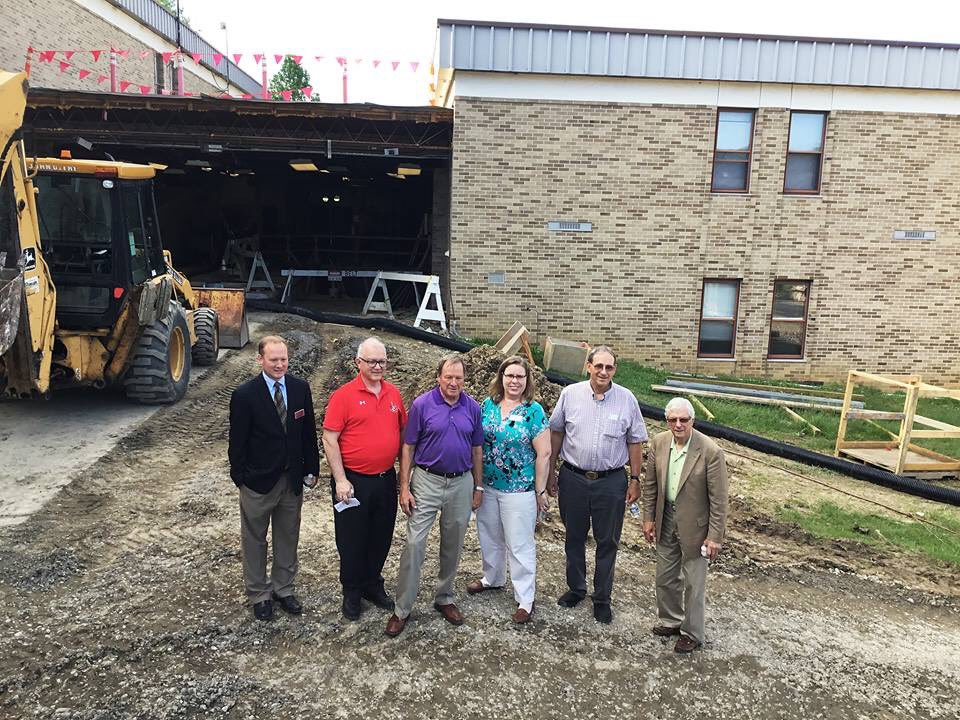 The College recently welcomed David Brinkley, MD Sec. of Budget and Mgnt., State Senator George Edwards,and MD State Delegate Wendell Beitzel, who toured the Technology Building, currently undergoing renovations.  #alleganycollegeofmaryland #EngageYourFuture #ExperienceACM <br>http://pic.twitter.com/1J3Cd9Xp7T