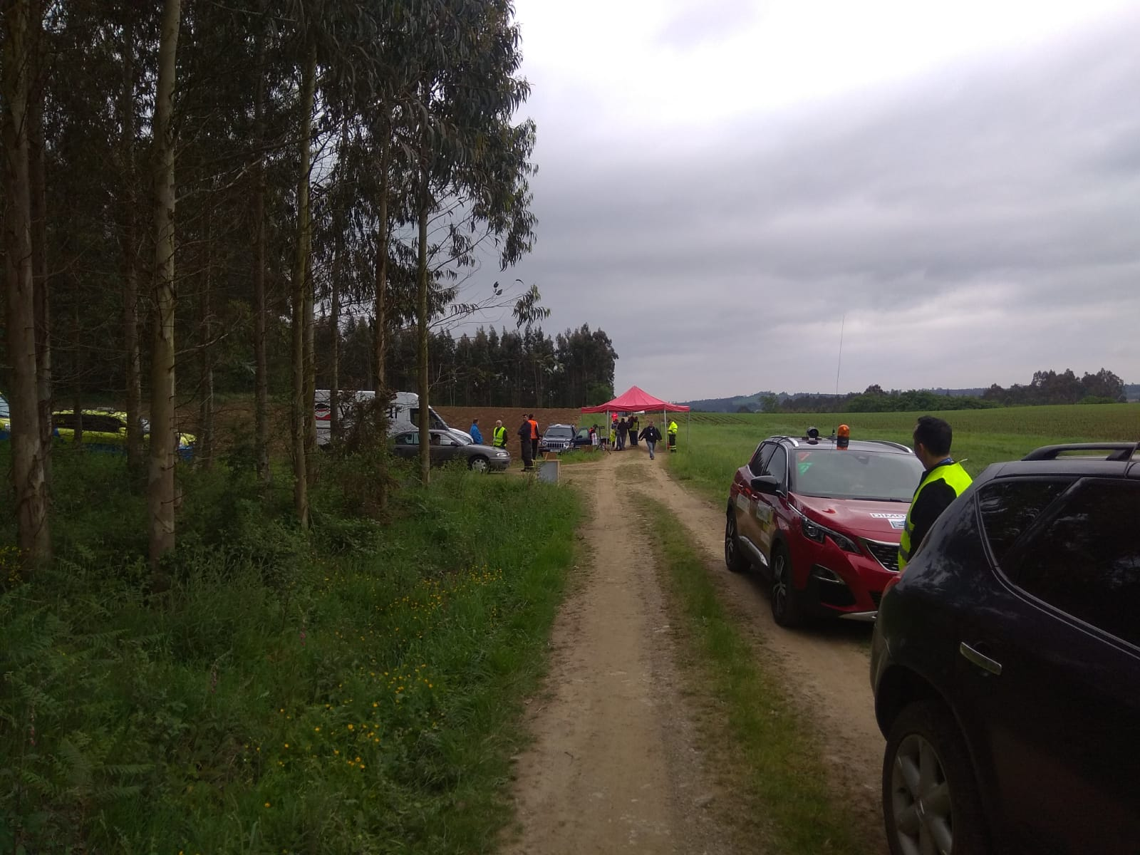 CERT: Rallye Terra da Auga - Comarca de Arzúa [25-26 Mayo] - Página 2 DeDqKxpWAAEksRq