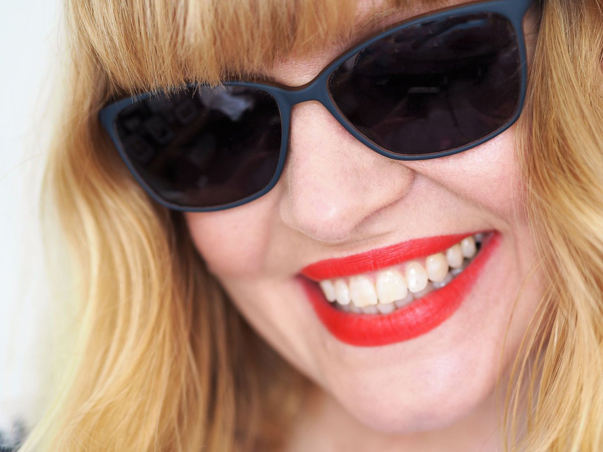 a1a1d9d214 Retweeted What Lizzy Loves ( whatlizzyloves)  How to choose the best  sunglasses for your face shape and for the type of holiday you re having ...