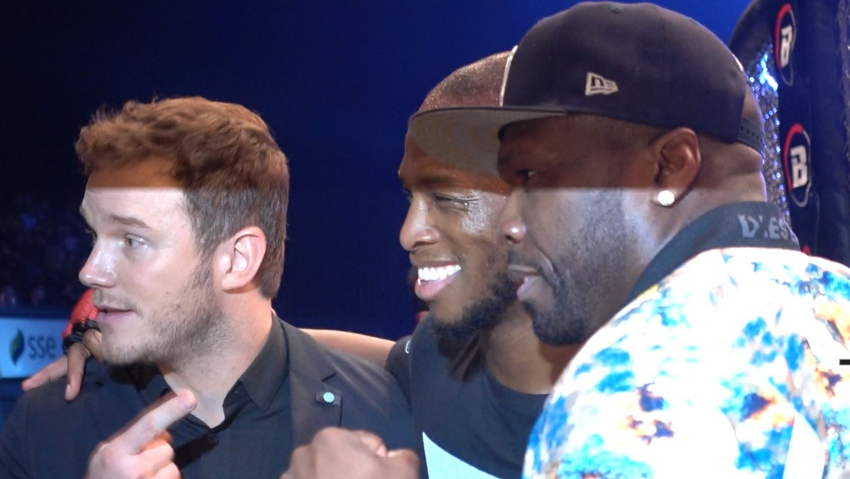 📹(Video) Watch @Michaelpage247 be congratualted for his masterclass performance at #Belaltor200 by @50cent Chris Pratt and @realroyce Watch 👉youtu.be/iJyjjORk1VM #MMA #Bellator also feat. @AlexReid and @AudieAttar