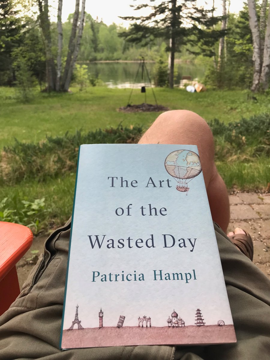 Relaxing with PatriciaHampl #nonfiction #upperMississippipic.twitter.com/QKjEdo3fT2