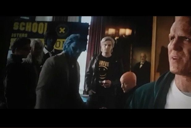 #Deadpool2  was able to shoot the scene in which we see Cyclops, Beast, Professor X, Storm, Nightcrawler and Quicksilver when director David Leitch sent the scene over to &#39;X-Men Dark Pheonix&#39; director Simon Kinberg. They then took a composite of the scene and put in the characters <br>http://pic.twitter.com/wLSEq6N9zQ