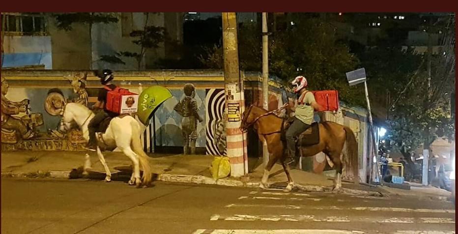 >@EstadaoEconomia Com crise dos combustíveis, estabelecimentos 'fazem entrega' a cavalo https://t.co/5mScKfBXCQ