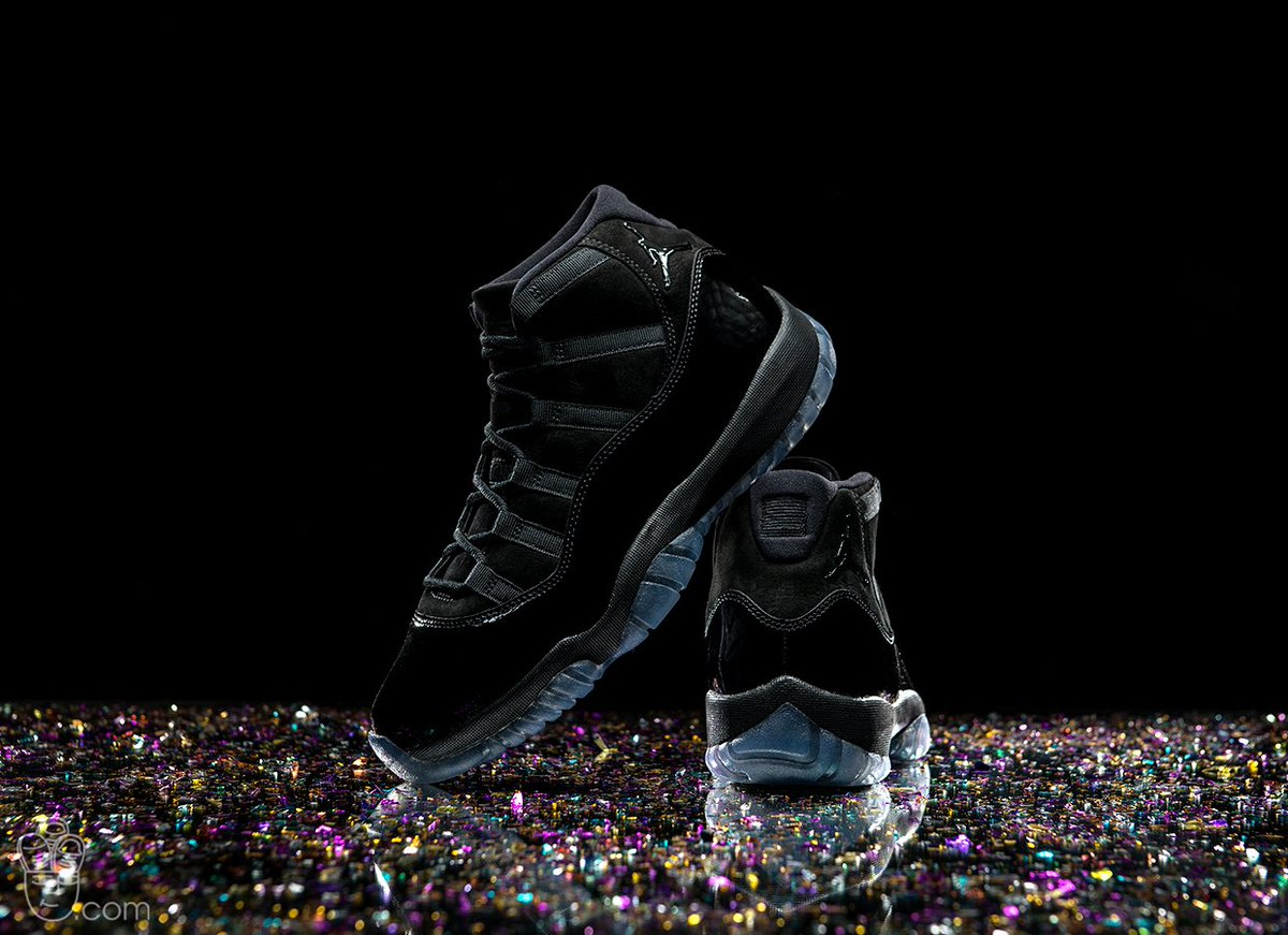Air Jordan 11 Retro  Cap   Gown  dropping in 10mins Eastbay http   bit.ly 2IOx5Kw  Foot Locker http   bit.ly 2s9thx7 Champs http   bit.ly 2kpCdKt ... 11d3b6ab8ec