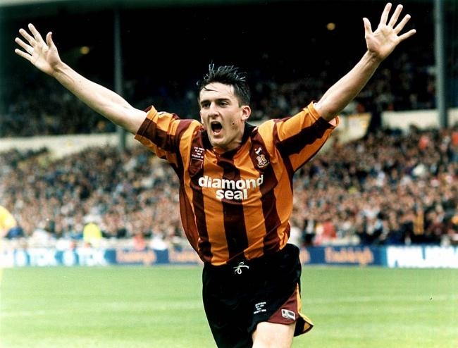 On this day in 1996, @officialbantams sealed a 2-0 victory at @wembleystadium to win the play-off final against @Official_NCFC - Goals from Mark Stallard and Des Hamilton sealed promotion for the Bantams. #BCAFC<br>http://pic.twitter.com/U2C9ZedW0v
