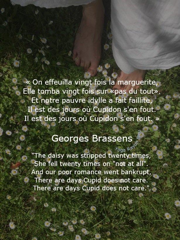 « On effeuilla vingt fois la marguerite,  Elle tomba vingt fois sur «pas du tout»... » Georges Brassens &quot;The daisy was stripped twenty times, She fell twenty times on &quot;not at all&quot;... &quot; Photo #YogaRayonBleu 2018 Louveciennes  #yoga #citations #hathayoga #yogafrance #yogalove<br>http://pic.twitter.com/l98YIvLK3F