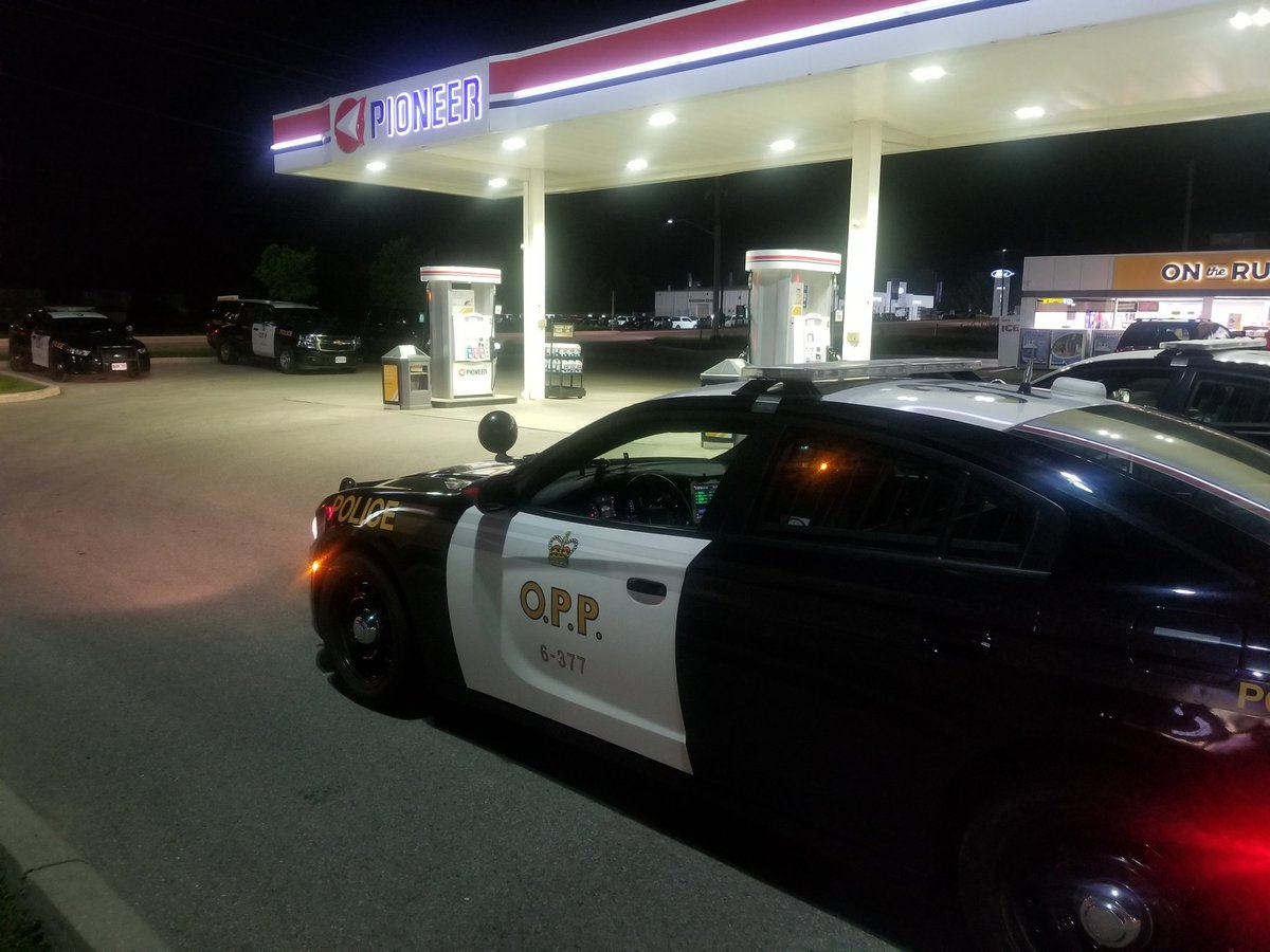 Oxford County OPP  #OPP Investigating Robbery At Pioneer Gas Station On  Broadway Street In Tillsonburg, ON. Employee Was Not Injured.