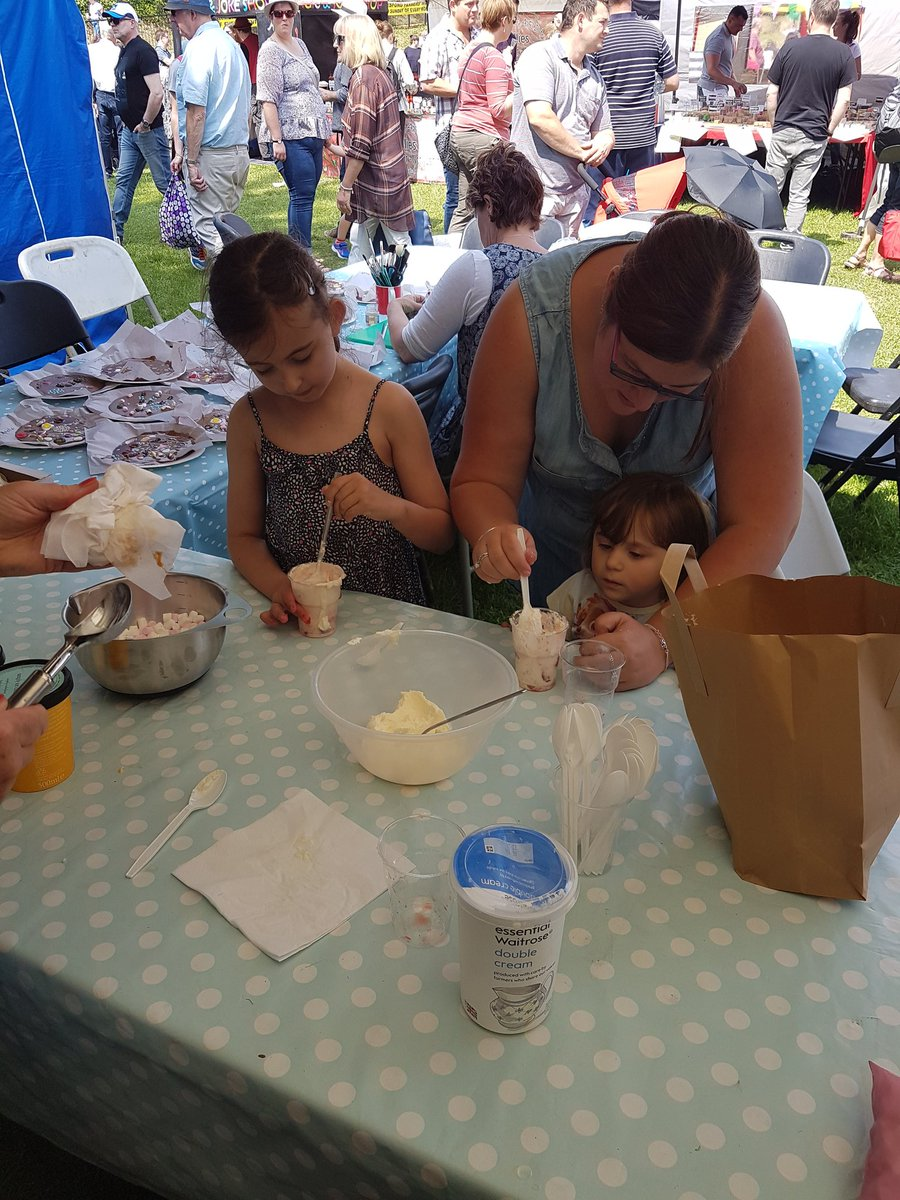 Making a mess..eaton mess with @AlivewithFlavor #foodeducation #TFDF18