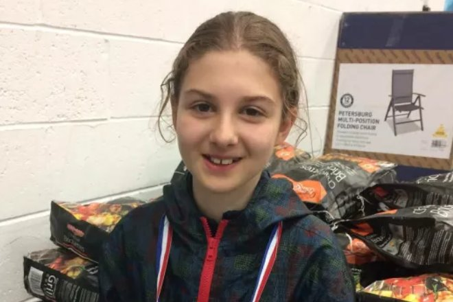 Urgent search launched for girl, 13, who disappeared on way to school https://t.co/jAOIiz0scD