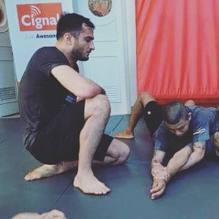 Yep, that's Gegard checking my lousy form, and here's something I wrote about him.  http://m.sherdog.com/news/articles/Gegard-Mousasi-By-The-Numbers-137223…