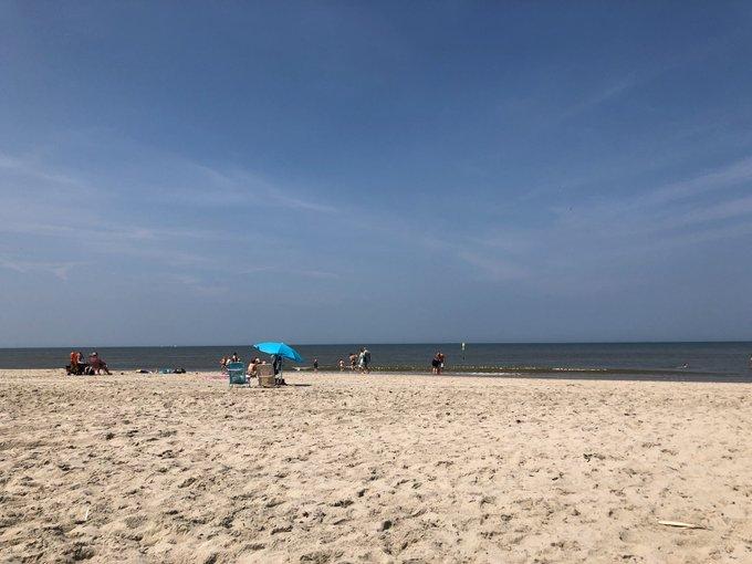 RT @EsthelleLK: @WestlandersNu Vanaf 10:00 nog geen zeemist gezien in Kijkduin. Alleen maar genieten. 😘 https://t.co/Wpc4YyNBmX