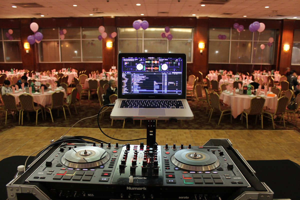 #FlashbackFriday when we did a corporate event in Bellaire,TX. For more info on booking visit us at  http://www. djamproductions.com  &nbsp;     #djamproductions #djamproductionstx #mobiledj #mobiledjs #houstonmobiledjs #houstonmobiledj #houstonevents #houstoncorporatedj #houstondjs #numark #djlife <br>http://pic.twitter.com/dK6HOPXxWb
