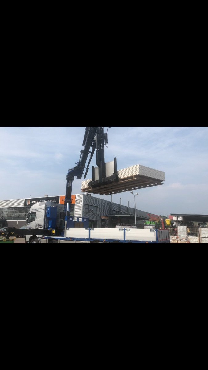 test Twitter Media - Dankzij de 34 meter kraan & de kantelhaak van Transportbedrijf Boogaard bv hijsen we je plaatmateriaal gemakkelijk op hoogte voor het raam! https://t.co/kOU1Q4gElO