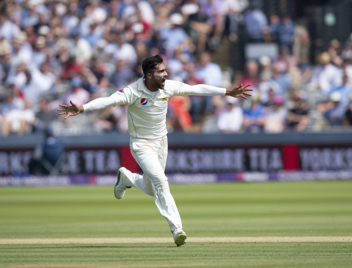 📸 @iamamirofficial &  hav@76Shadabkhane taken two wickets each to leave  on @englandcricket105/5.  Follow live ➡️    https://t.co/d73vbDTigu#LoveLords#ENGvPAK