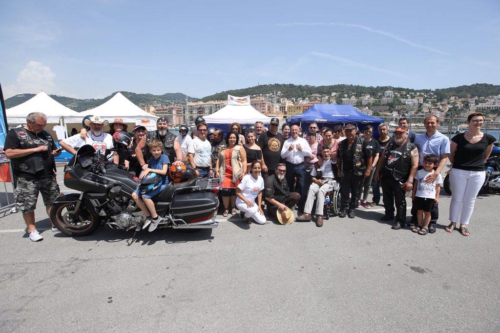 Aux côtés des «Harley du Cœur» à #Nice06. Merci pour leur générosité sans faille depuis 30 ans au service des enfants hospitalisés, des orphelins et des personnes handicapées