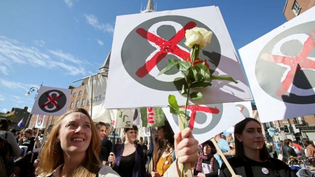 JUST IN: Ireland overturns abortion ban in landslide vote https://t.co/5ha96gXYgn