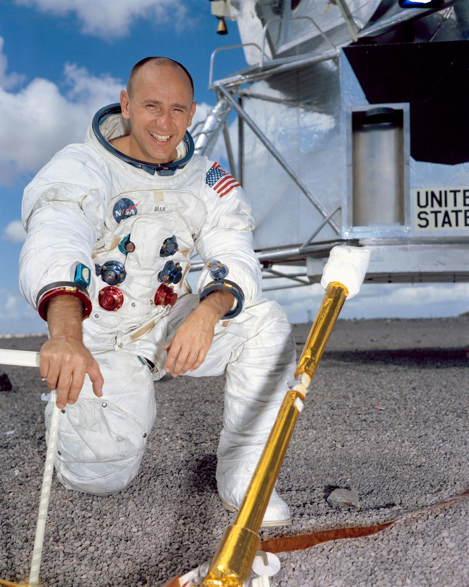 RIP Alan Bean, 4th human being to walk on the Moon, Skylab astronaut and accomplished artist. https://t.co/FKPJ9VpiKX