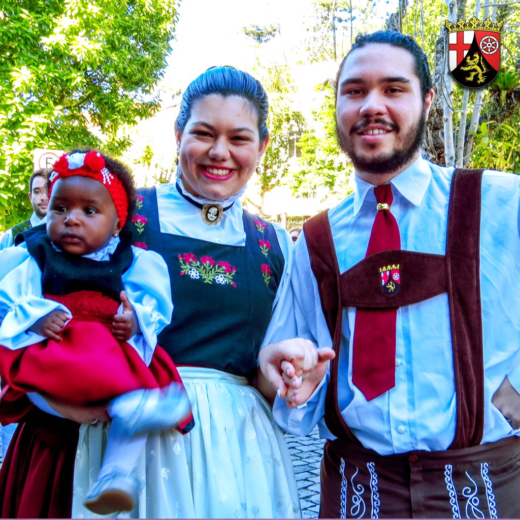 test Twitter Media - Desfile Bauernfest 2017 - Petrópolis/RJ  📞 p/ eventos: (24) 99811-8884 / 98863-4434  https://t.co/2rBdYJHe6M https://t.co/9gfh0bEENk https://t.co/DZqRKEad8J https://t.co/LYvJdfcKKH  📷: Raul Bertoldi  #bauernfest #rheinlandpfalz #danca #folkdance #dancaalema #petropolis #r https://t.co/hQ7YoDbnTs