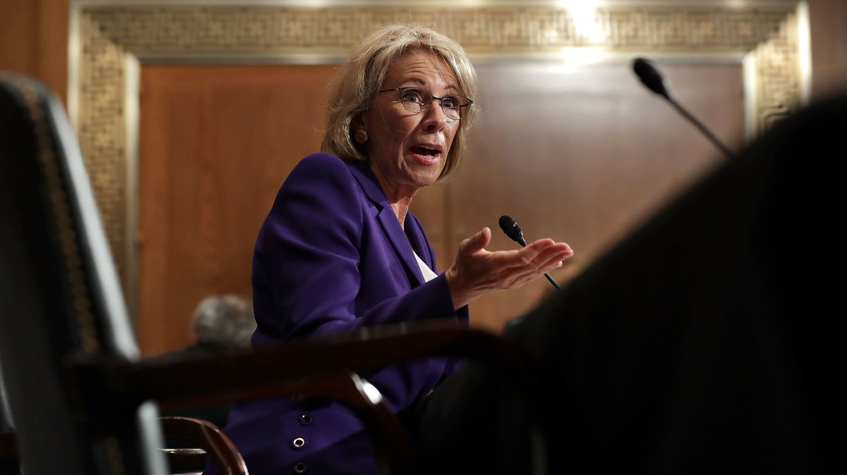 Federal court rules Trump Education Dept violated privacy laws  http:// hill.cm/HUr42BZ  &nbsp;  <br>http://pic.twitter.com/IVX2IVanWH