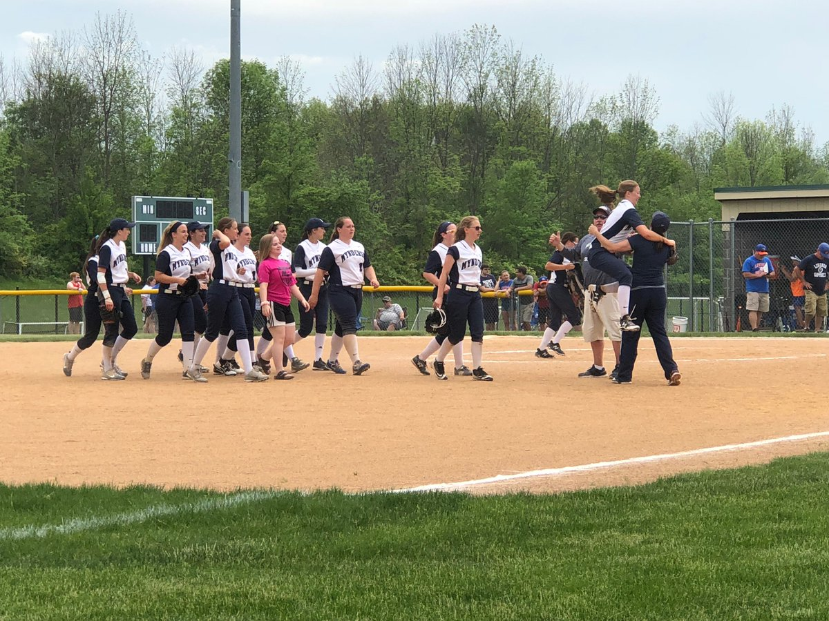 Blue Devils rout Livonia in Class B softball semifinals