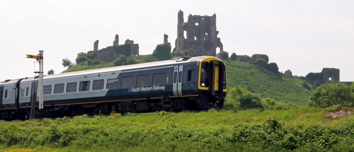 Yesterdays (Saturday 26th May) @SW_Railway service to Corfe Castle. Credit Andrew P.M. Wright. <br>http://pic.twitter.com/FeeWcWSMW5