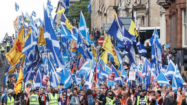 Report would have won indyref in 2014, say experts  http://www. heraldscotland.com/news/16252710. Report_would_have_won_indyref_in_2014__say_experts/?ref=rss &nbsp; …  #Scotland <br>http://pic.twitter.com/mHmZ3U4KUL