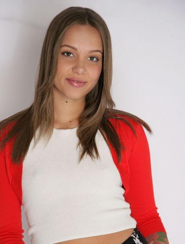 Liza Rowe on Twitter: Liza Rowe #LizaRowe…