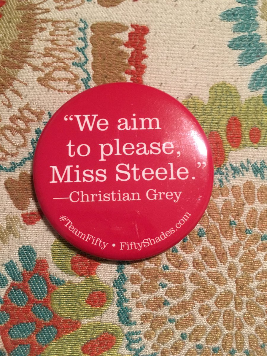 My friend scored this pin for me years ago and tonight I finally got to look at it in person. What a beauty @E_L_James @CTG_CEOGEH @AnaSteel95! #TeamFifty #ComicConMemories<br>http://pic.twitter.com/CMJtC15QQM