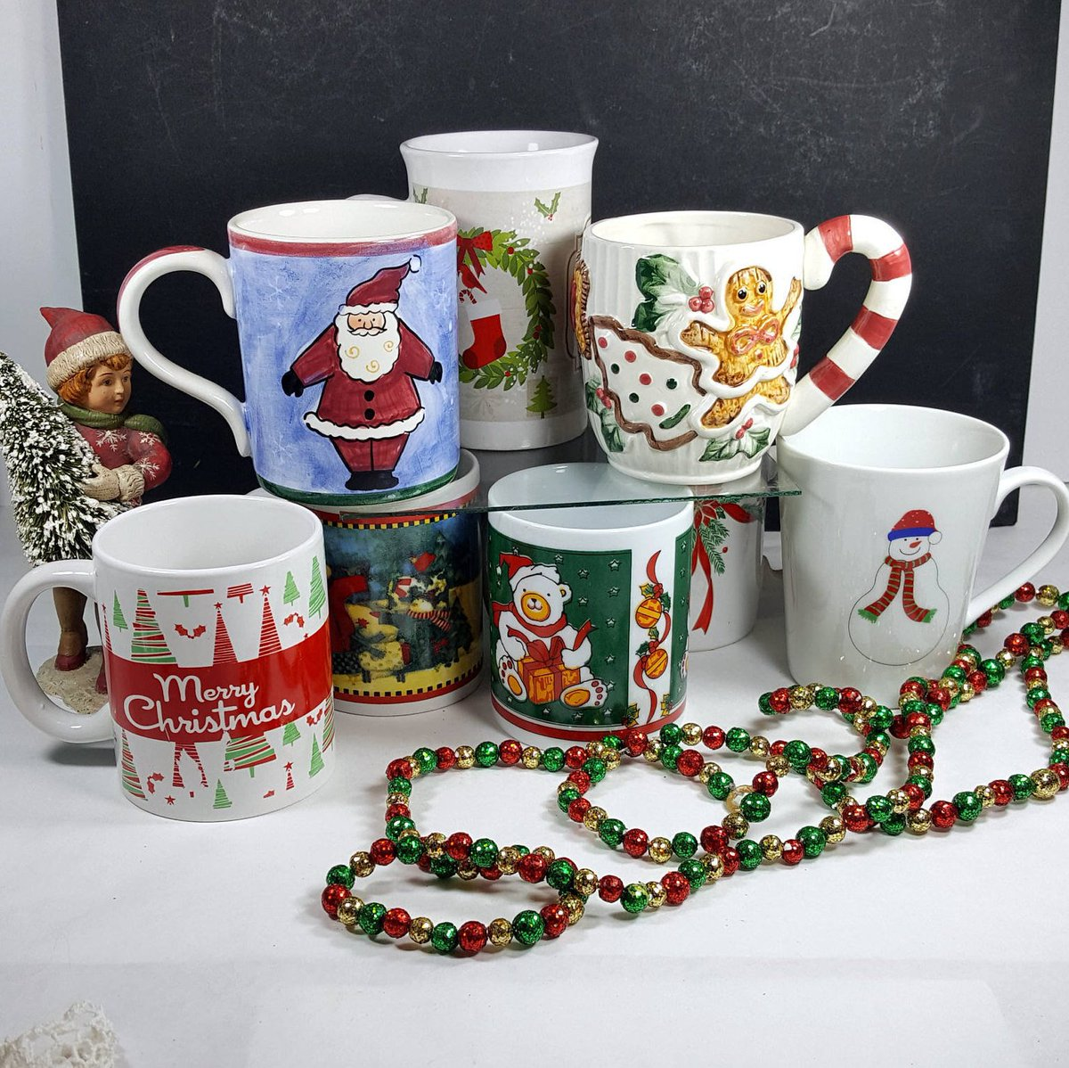 Naomi On Twitter 8 Vintage Christmas Mugs Mismatched Christmas Cups For Hot Chocolate Or Crafts Christmas Serving Or Christmas Decoration Winter Holiday Mugs Https T Co Biery52nak Kitsch Vintage Etsy Lasttangovintage Vintagechristmas Https