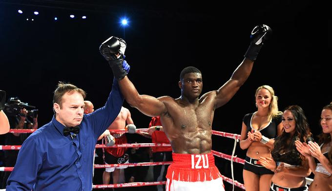 Izu Ugonoh Scores A Strange Rd Round Tko In His Long Awaited Comeback His Opponent Fred Kassi Just Appeared To Give Up Izu Should Be Back Out Again