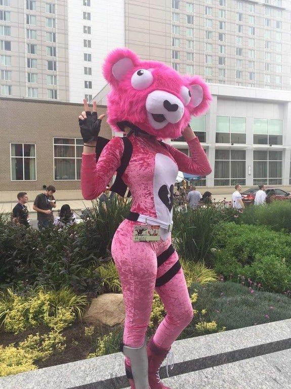 Fortnite battle royale servers leaks on twitter cosplay outfit of the fortnite battle royale - Panda team leader costume ...