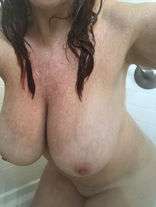 Good morning all , clean or dirty ?? #milf  milfporn #hotmom https://t.co/F69V1bThbk