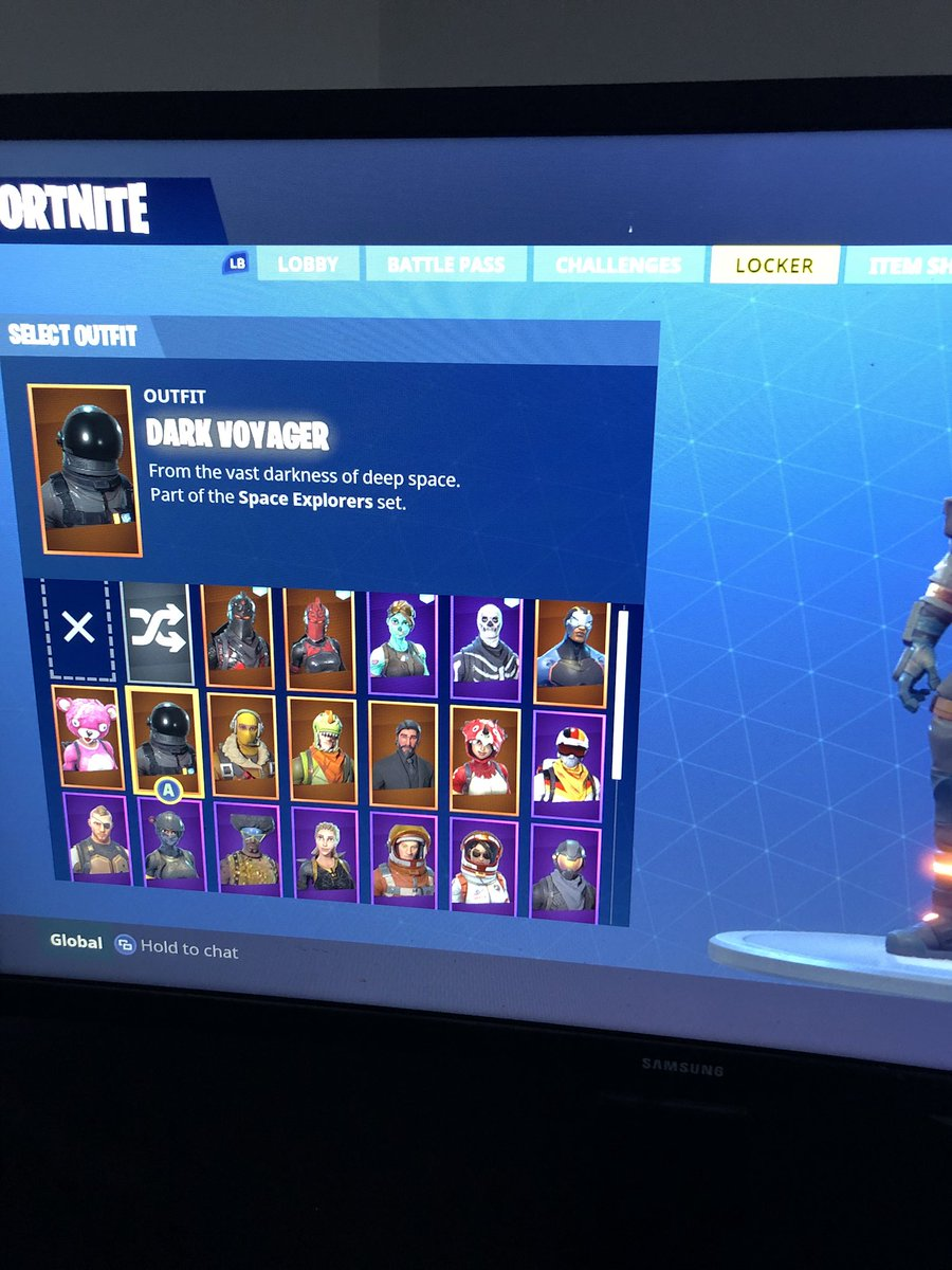 R on twitter selling my fortnite account with skull trooper red knight ghoul trooper black - Fortnite dark voyager account ...