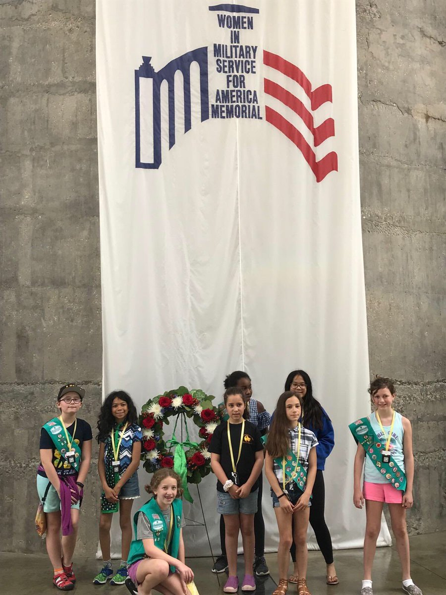 Wreath laying at @wimsatweets by my daughter's @girlscouts troop this morning   #MemorialDayWeekend