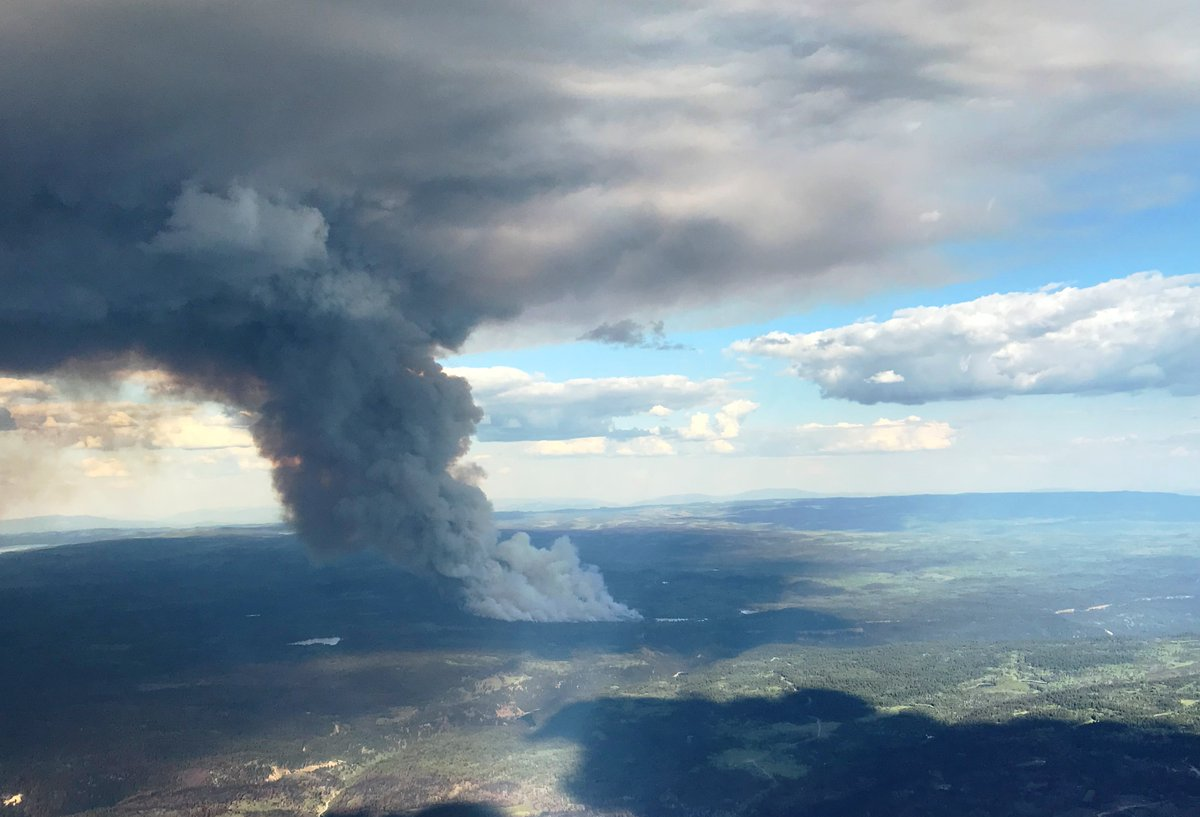 Wildfire crews faced with wind, dry conditions https://t.co/avDSYe95Wm