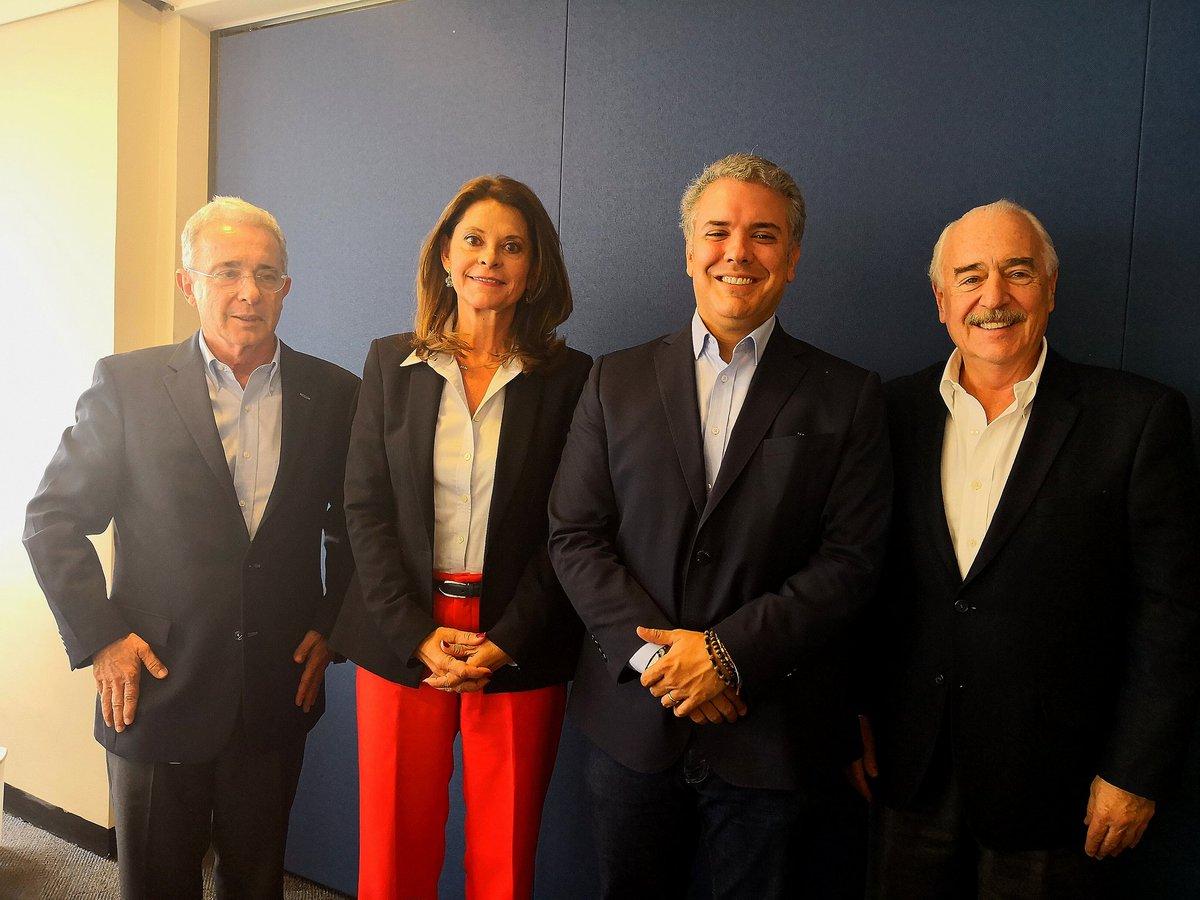 """Andrés Pastrana A on Twitter: """"Hoy nos reunimos con el Expresidente  @AlvaroUribeVel y los candidatos de la Gran Alianza Por Colombia @IvanDuque  y @mluciaramirez. Aún hay tiempo de ir a votar por"""