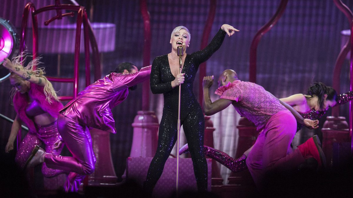 For all its high-tech razzle-dazzle, Pink's show at the Honda Center made a deep emotional impact. https://t.co/VaQbRdthfd