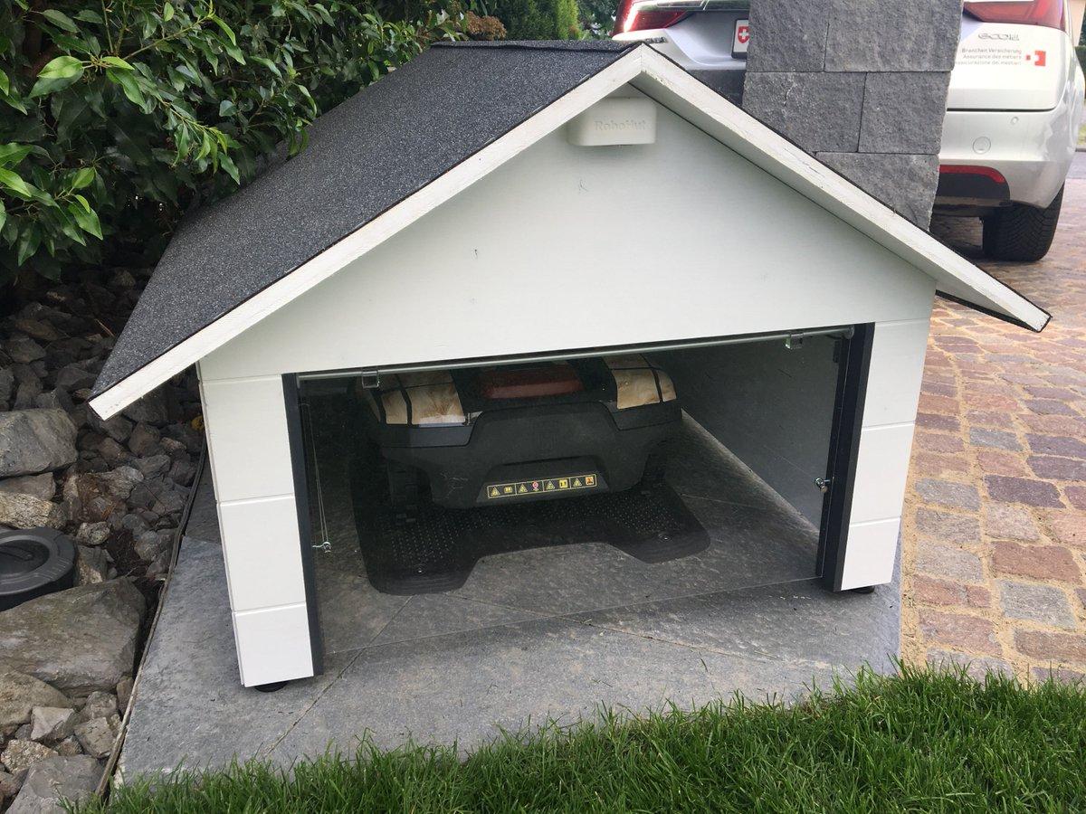 m hroboter garage robohut twitter. Black Bedroom Furniture Sets. Home Design Ideas