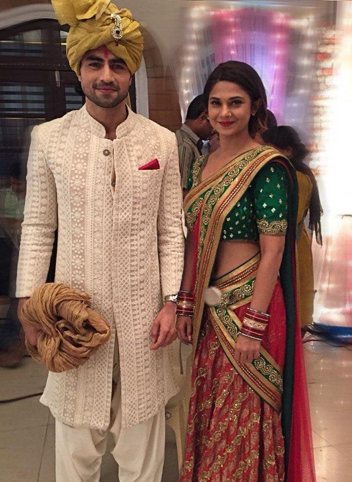 Jennifer Winget and Harshad Chopda aka Zoya and Aditya on the sets for the upcoming wedding track